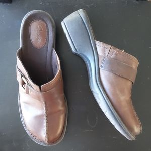 Clarks artisan brown leather slide on mules